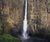 Girringun NP - Wallamans Falls XPY-181w ©Jiri Lochman - Lochman LT
